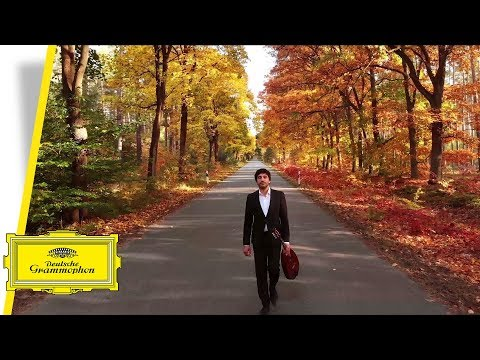 Video Avital - Bach: Cello Suite No.1 BWV 1007 I. Prelude (Arr. for Mandolin by Avi Avital)